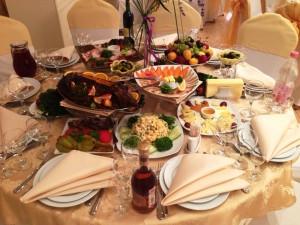 Блюда на столах