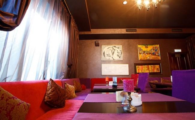 Столы в Lounge-bar