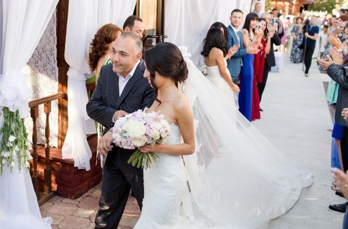 Свадьба в ресторанном дворике Марфино