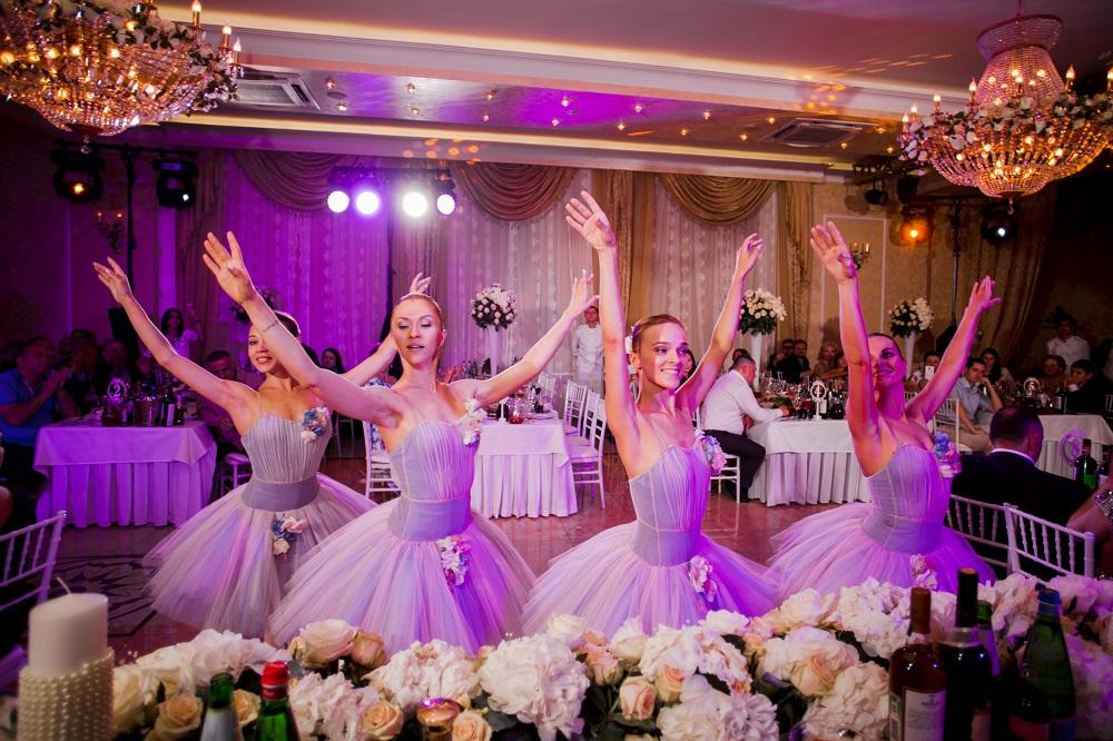 Шоу-балет в банкетном зале Marfino