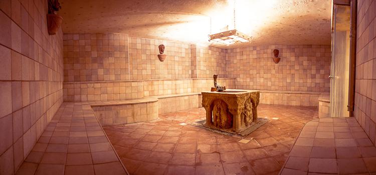 Баня в античном стиле