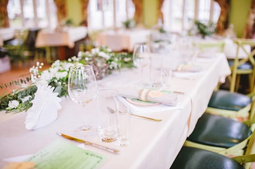 Свадьба в ресторане за городом