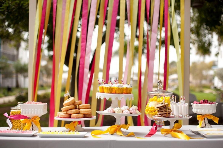 Особенности летнего свадебного стола