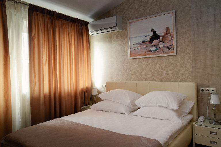 Отель - номер Стандарт - кровать